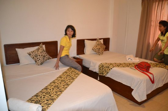 Siem Reap Bat Hotel : twin room with my friends