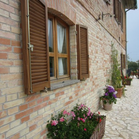La Grande Quercia Bed & Breakfast: Main House
