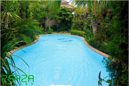 Zea Za Garden: Swimming Pool