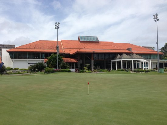The Golf Academy Borneo: Practice putting green and Clubhouse