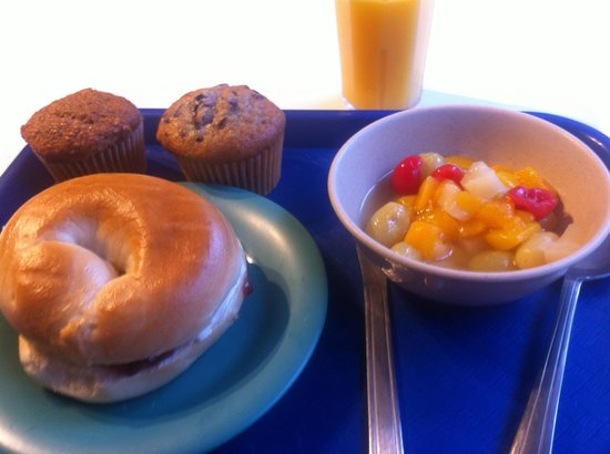 HI Washington DC Hostel: Free Breakfast