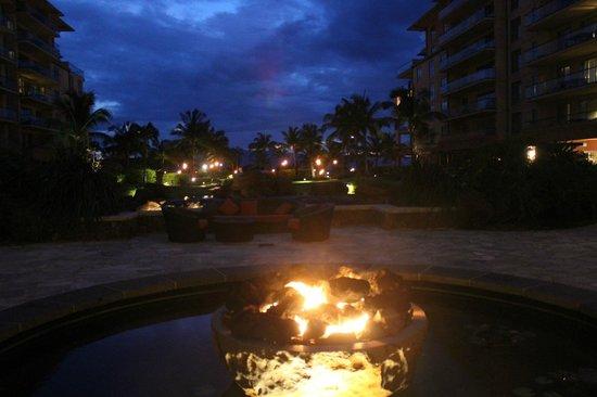 Honua Kai Resort & Spa: Fire pit at Konea tower