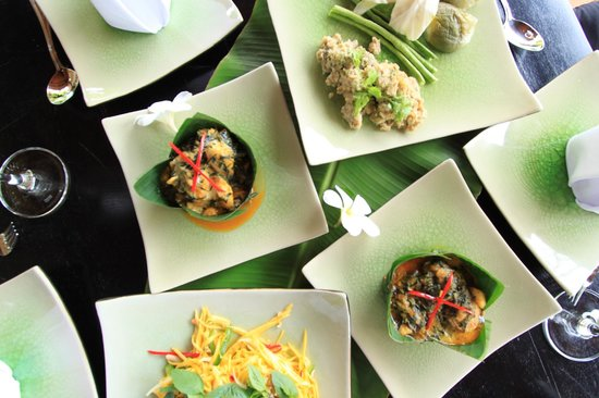 Petit Villa Boutique & Spa: khmer food being offered at Champa Cafe