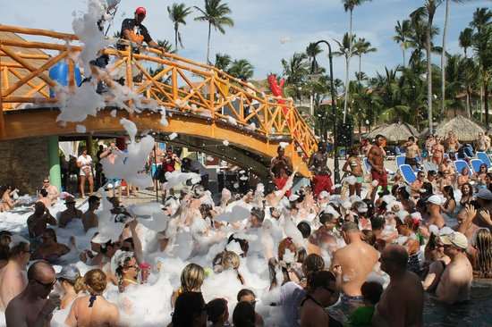 Majestic Colonial Punta Cana : Foam Party