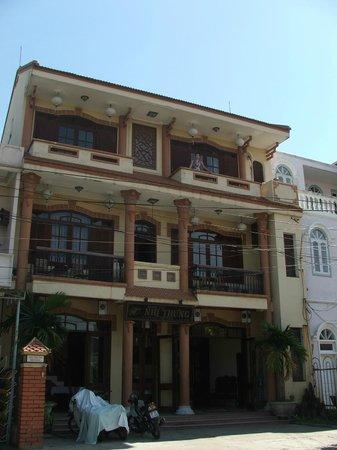 Nhi Trung Hotel: at balcony ^_^