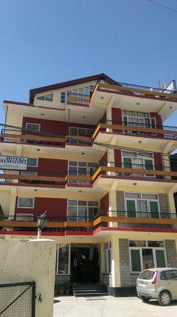 Hotel Himgiri: Hotel Building