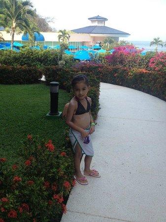 Azul Ixtapa Beach Resort & Convention Center: Mi hija feliz!