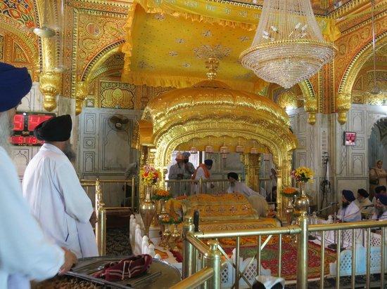 Tarn Taran Sahib : inside the Darbar Sahib