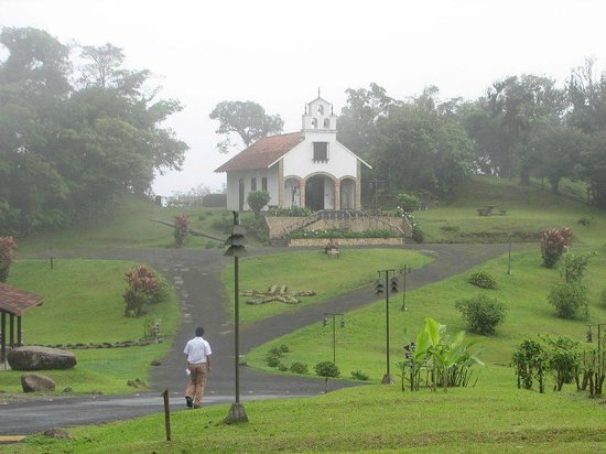 Villa Blanca Cloud Forest Hotel and Nature Reserve: 14th century replica Roman chapel
