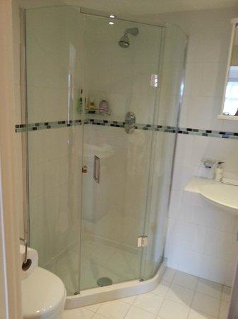 CaldersCroft: Very good shower