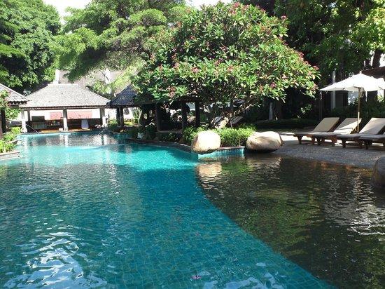 Woodlands Hotel & Resort: 広々としたプール