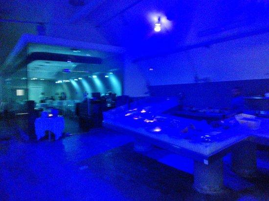 Mercato Del Pesce: Fish Market's entrance to the restaurant area in evening light