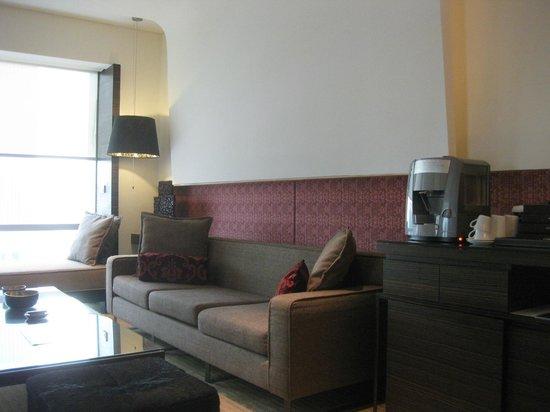 โรงแรมเลอ เมอริเดียน กรุงเทพ: リビングルーム3