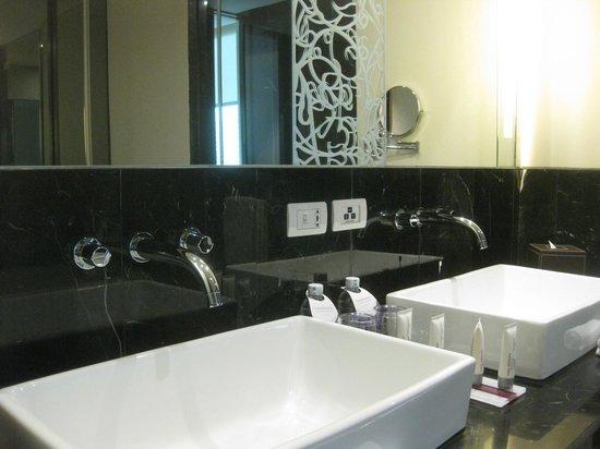 Le Meridien Bangkok: バスルーム