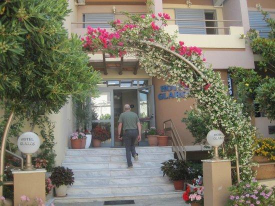 Hotel Glaros : entrée de l'hôtel