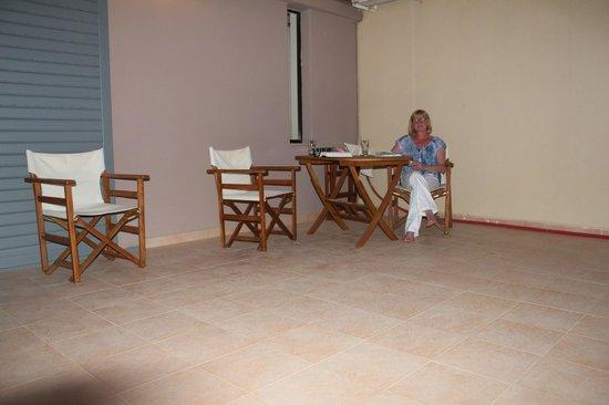 Hotel Glaros : terrassse de la chambre