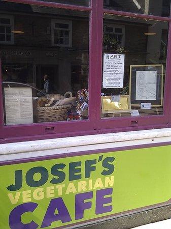 Josef's Vegetarian Cafe: Josef's cafe in Funky Art Town Bury St Edmunds