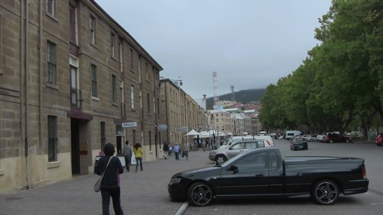 Salamanca Arts Centre: Unkind Parking Area(Can you see  as a toll parking?)