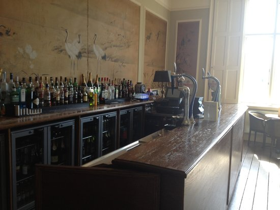 Offley Place Country House: Bar area