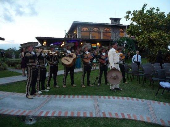 Hacienda Los Molinos Boutique Hotel : Mariachis playing after the wedding ceremony