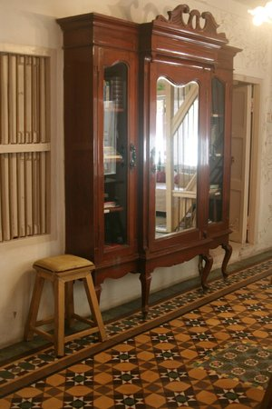 Arts Reverie - A Heritage Home: nice furniture