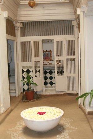 Arts Reverie - A Heritage Home: entrance