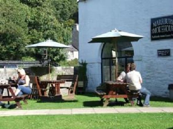 Marrbury Smokehouse: Summer sunshine at our outdoor terrace