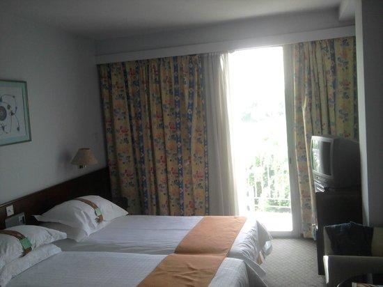 Holiday Inn Nicosia City Centre : room