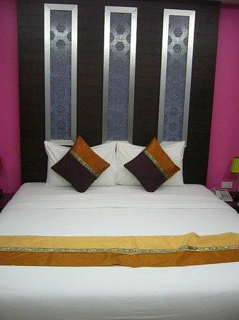 Oasis Inn Bangkok Hotel: Deluxe room