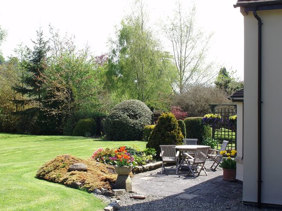 Garden, Sayang House
