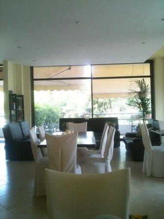 Minavra Hotel: fae
