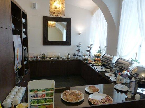 Hotel Residence Agnes: Buffet breakfast