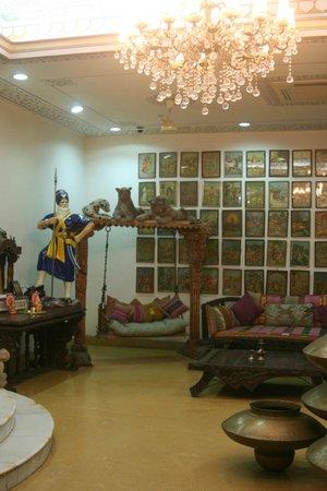 Jyoti Mahal: entrance