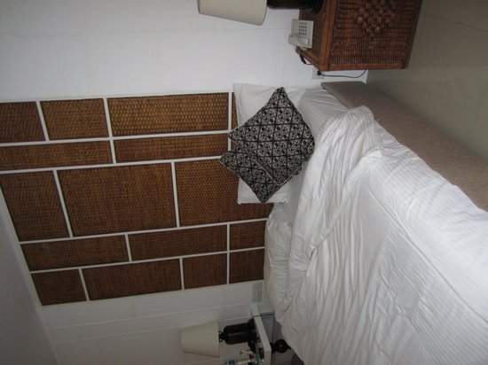 Astana Kunti: The Bed