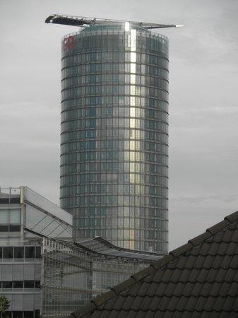 Novum Hotel Excelsior Duesseldorf: ...vista dal nostro balcone