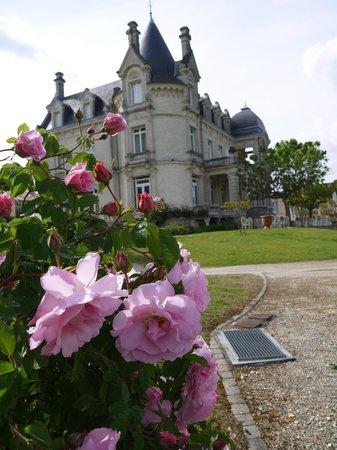 Chateau Grand Barrail: beau parc