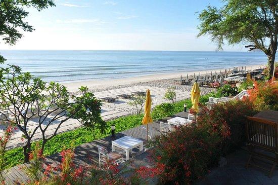 Baan Bayan: hotel beach