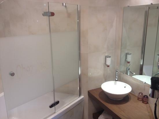 Hotel Chez Jean : Prestige Doppelzimmer: Bad