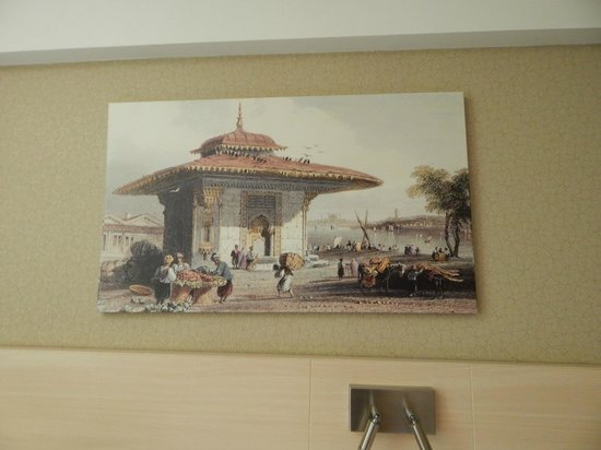 Troya Hotel: painting in room
