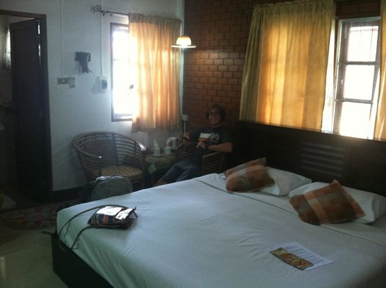 Galare Guest House: Double bedroom