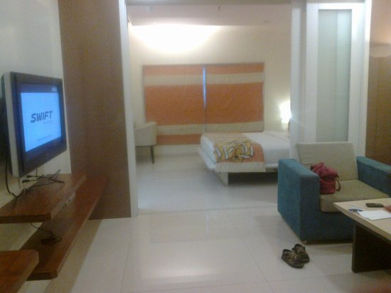 United-21, Thane: our room