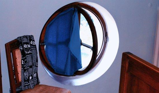 """Villa Pichetta B&B: una curiosa """"finestra"""""""