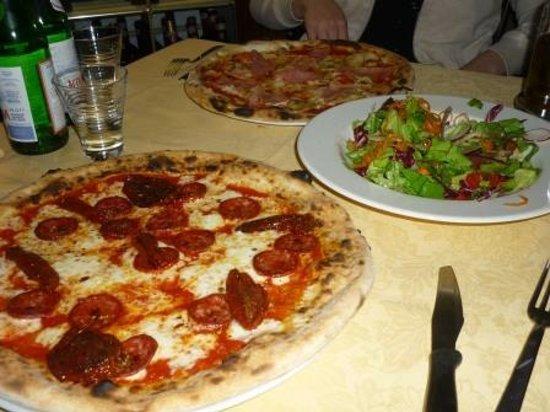 Pizzeria il Fondaccio : Pizza Prosciutto e funghi, Insalata Mista, Pizza Calabrese