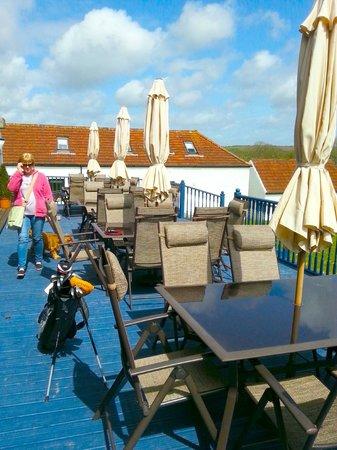 Celtic Haven Cottages: restaurant veranda