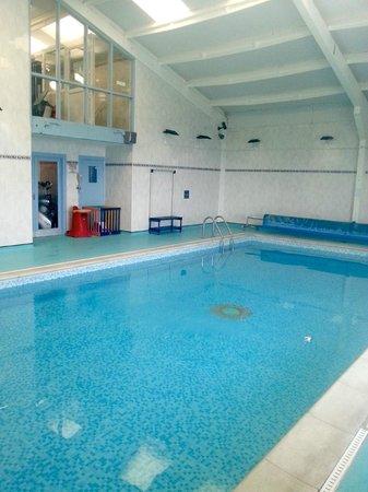 Celtic Haven Cottages: pool