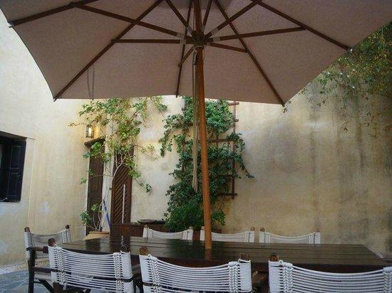 Zacosta Villa Hotel: ouside