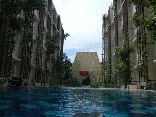โรงแรมอนันตาเลเจียน: Ananta Legian Lobby Dome View from the Pool