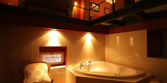 Small Luxury Palace Residence: Suite with Jacuzzi