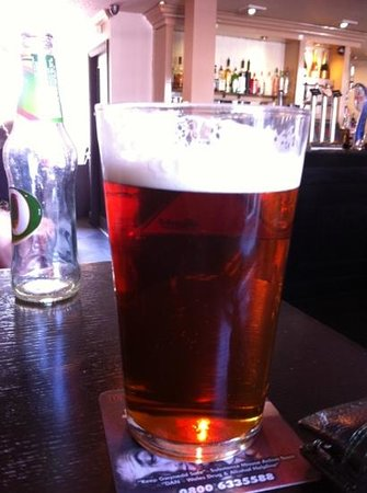 Y Castell Restaurant: fantastic pint of Courage Directors