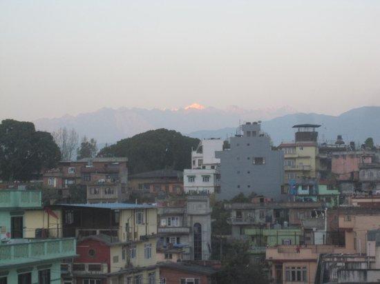 Crowne Plaza Kathmandu-Soaltee: Zimmeraussicht Richtung Himalaya